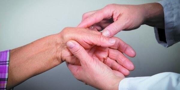 ból stawów dłoni