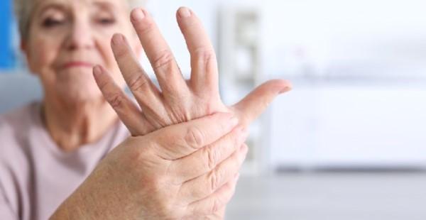 Co to jest reumatyzm? Objawy, przyczyny i leczenie
